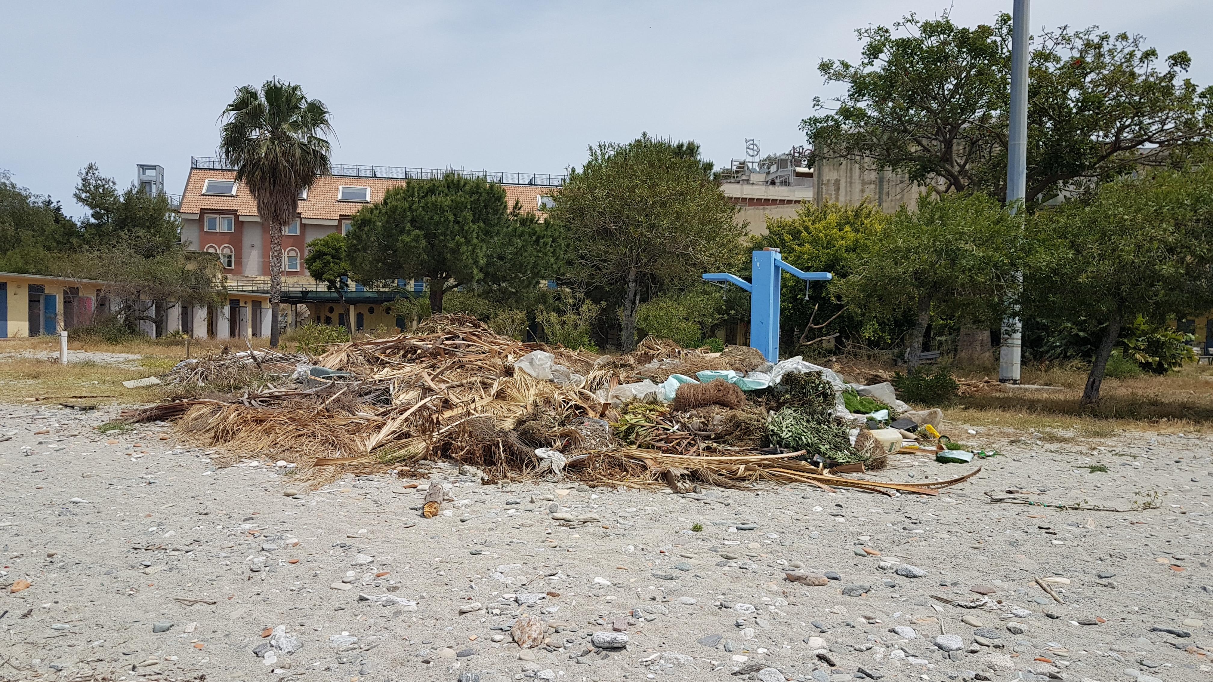 Nuccio Pizzimenti, Con il Lido Comumale in uno stato di completo abbandono e un porto che assomiglia ad un quadro di natura morta, Reggio Calabria non potrà mai diventare una Città turistica. 1