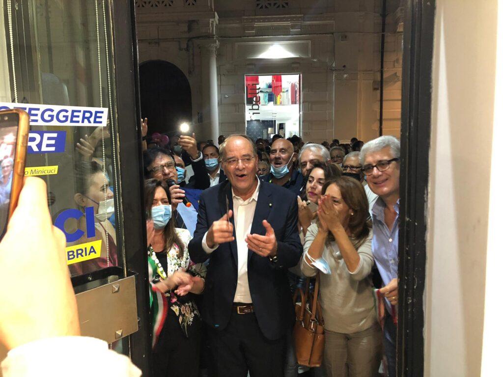 Grande partecipazione alla inaugurazione della segreteria del candidato Sindaco Minicuci 3